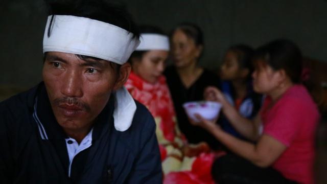 Tột cùng đau đớn trong căn nhà của đôi vợ chồng cùng lúc mất 2 con thơ khi chạy lũ