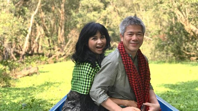 Loạt ảnh Thanh Lam hạnh phúc, ôm chặt bạn trai là bác sĩ nổi tiếng