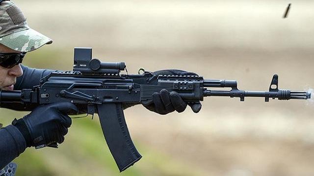 Video AK-74M thử nghiệm trong điều kiện lạnh, nước và bụi