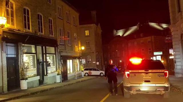 Canada: Thanh niên mặc đồ trung cổ đâm chém loạn xạ đêm Halloween, 7 người thương vong