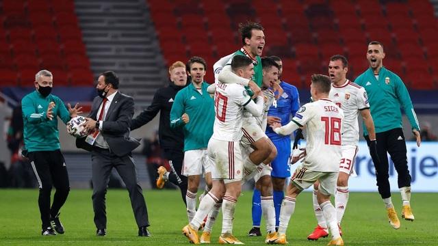 Bất ngờ liên tục ập đến, chính thức xác định 4 đội tuyển cuối cùng giành vé dự Euro 2020