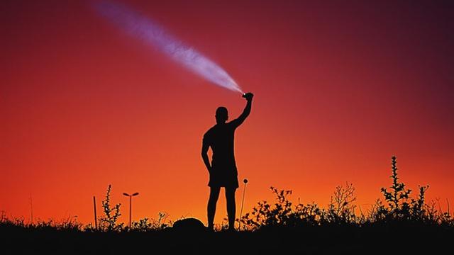 Thế giới của người lớn chưa bao giờ là dễ dàng cả: Khi thất bại, khó khăn, tuyệt đối đừng để mình nhàn rỗi