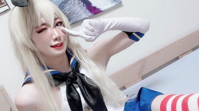 Sốc với ngoại hình thật của cosplayer gợi cảm nổi tiếng Nhật Bản