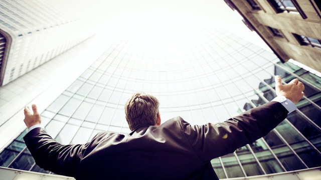 Thành công, rất đơn giản, cứ tiến về phía trước, là bạn thắng rồi: Đáng sợ hơn cả không cầu tiến là giả vờ nỗ lực và sống theo con mắt của người khác