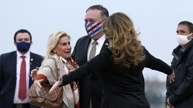 Tổng thống Pháp Macron chỉ gặp Ngoại trưởng Mỹ Pompeo trong vài phút