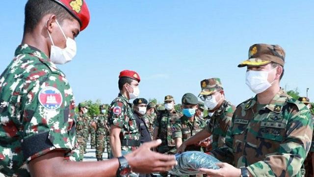 """Con trai ông Hun Sen nhắc """"sự hủy diệt của đất nước"""", kêu gọi quân đội trung thành bảo vệ chính phủ"""