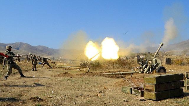 """Armenia đã phải ký hiệp định hòa bình với Azerbaijan bằng """"một phát súng dí vào đầu""""!"""