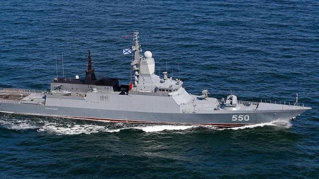 """Tàu Nga khiến Tomahawk Mỹ """"chào thua"""" khoe sức mạnh trên biển"""
