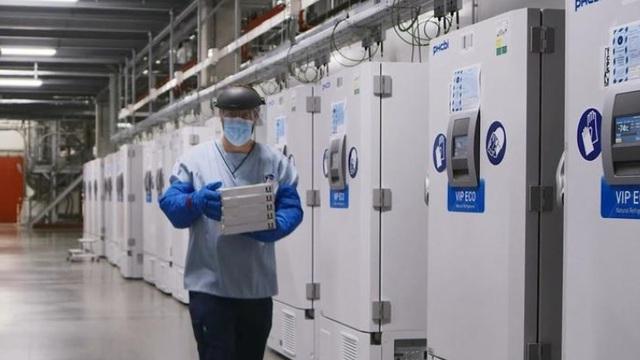 Vận tải hàng không vội vã chuẩn bị cho việc phân phối vaccine COVID-19 'siêu lạnh'