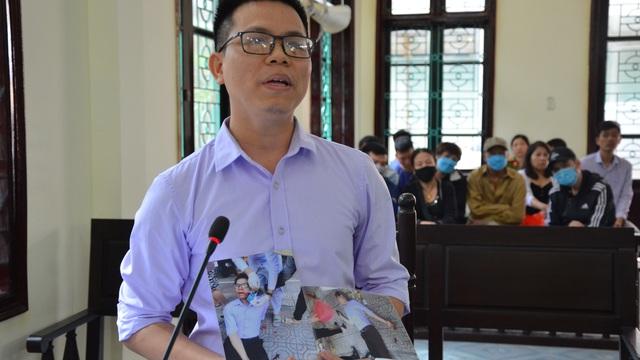 """Cán bộ tư pháp bị đánh vì cản trở """"quan lộ"""": Cựu Chủ tịch phường đến tìm, đưa 50 triệu nhưng tôi không nhận"""