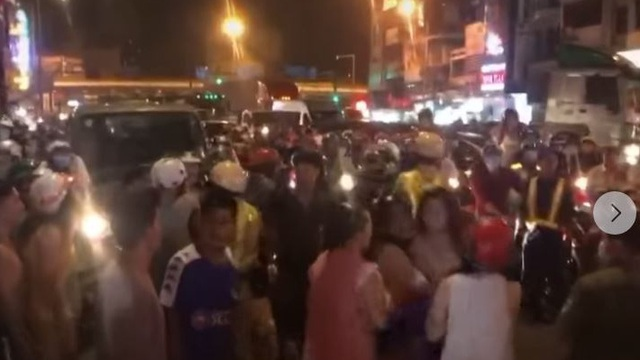 """Cô gái gọi người nhà đến đánh CA, """"giải cứu"""" nam thanh niên khi bị CSGT dừng xe kiểm tra ở Sài Gòn"""