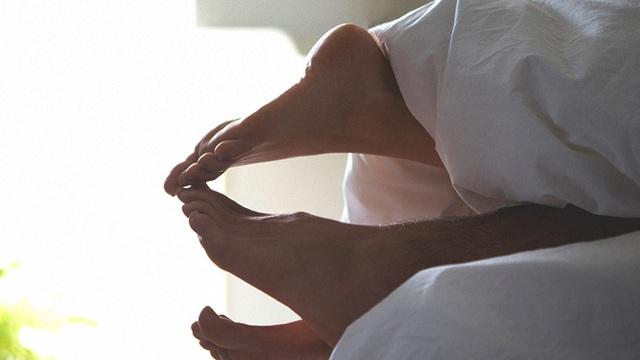 """Xuất hiện 3 dấu hiệu này chứng tỏ chức năng tình dục đang """"lao dốc"""": Hãy xem bạn thế nào?"""