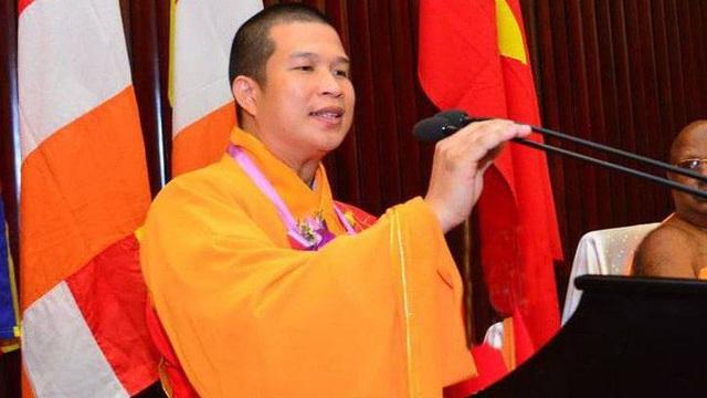Khởi tố, bắt tạm giam nguyên trụ trì chùa Phước Quang vì lừa đảo