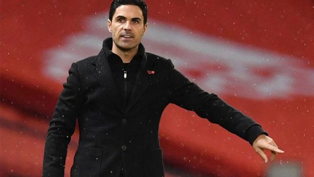 Arsenal lội ngược dòng ngoạn mục, HLV Arteta vẫn chỉ trích trọng tài VAR