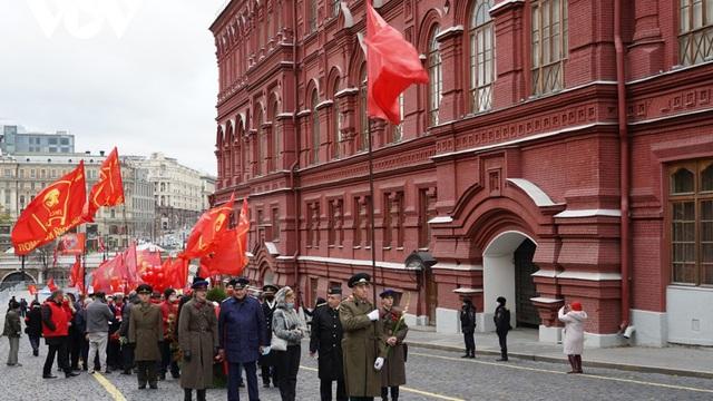 Kỷ niệm 103 năm Cách mạng Tháng Mười Nga