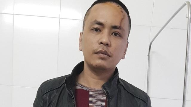 """Bắc Ninh: Nam thanh niên chém bố đẻ và 2 công an xã rồi quát """"thuốc của tao đâu"""""""