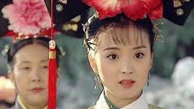 Mỹ nhân Hoàn Châu cách cách sống xa hoa nhưng chồng vô tâm, con coi rẻ
