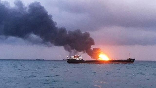 Tàu chở dầu phát nổ ngoài khơi Arab Saudi