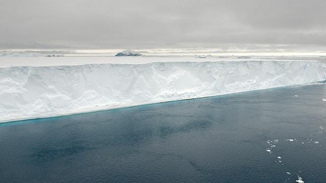 Rộng tới 4200 km2, tảng băng trôi lớn nhất thế giới này sắp gây ra sự kiện 'đại thảm họa'
