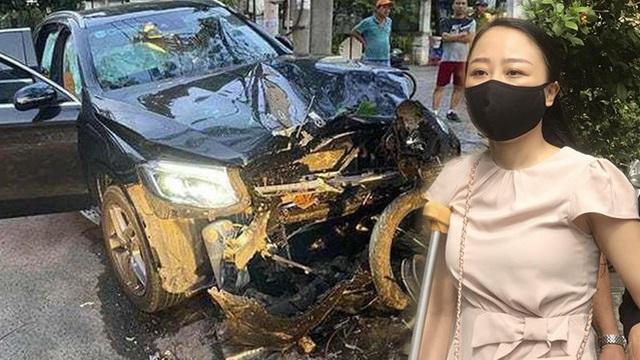"""Mẹ nữ tiếp viên VNA kể lại cuộc điện thoại ám ảnh sau lời tố """"bị túm tóc đuổi về"""" của mẹ tài xế lái Mercedes"""