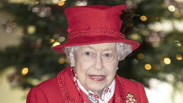 """Nữ hoàng Anh Elizabeth II có được số tiền """"khủng"""" nhờ sở thích lạ"""