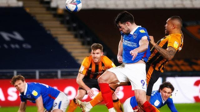 Kỳ lạ cựu binh Premier League thắng 2 bàn dù không sút trúng đích quả nào cả trận