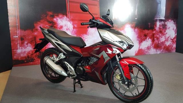 """Giá Honda Winner X giảm mạnh vào cuối năm, tiếp tục """"đe nẹt"""" Yamaha Exciter"""