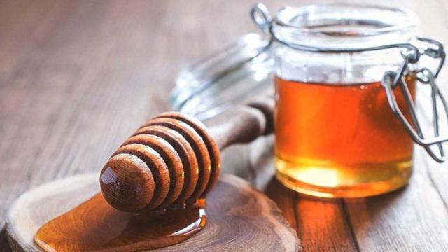 Mẹo dân gian dùng mật ong, dầu dừa cho bé yêu mùa lạnh