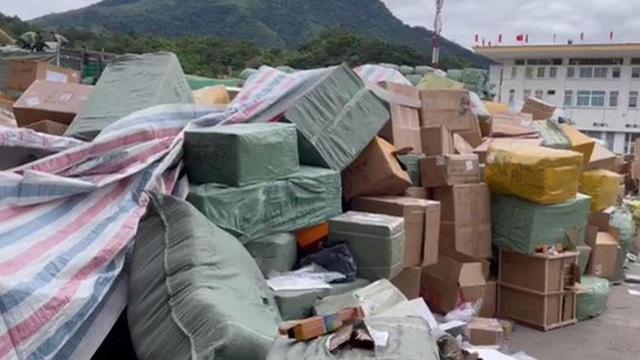 Vụ buôn lậu khủng ở Quảng Ninh: Đình chỉ công tác 6 cán bộ hải quan Bắc Phong Sinh