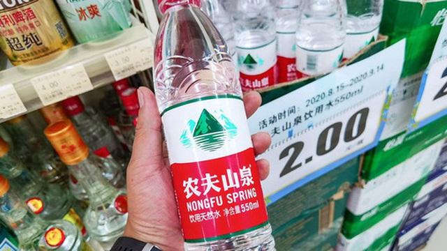 Xu hướng dùng hàng hiệu quốc tế đã lỗi thời, người Trung Quốc  giờ đây trở thành tín đồ của các thương hiệu Made in China 'ngon-bổ-rẻ'