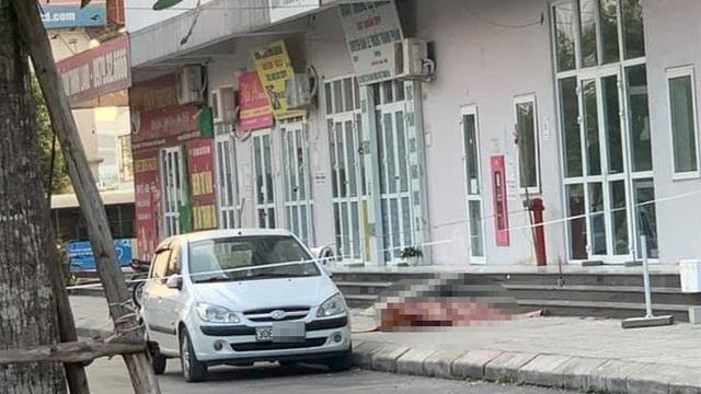 Hà Nội: Người phụ nữ nghi rơi từ tầng 16 chung cư xuống đất tử vong