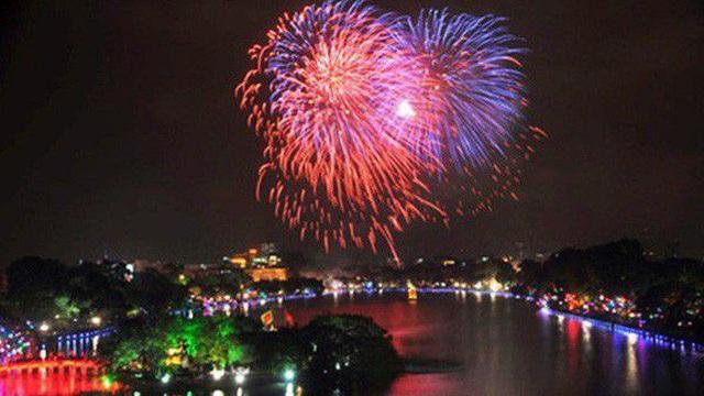 Hà Nội: Đề xuất bắn pháo hoa tầm cao 3 điểm Tết dương lịch 2021
