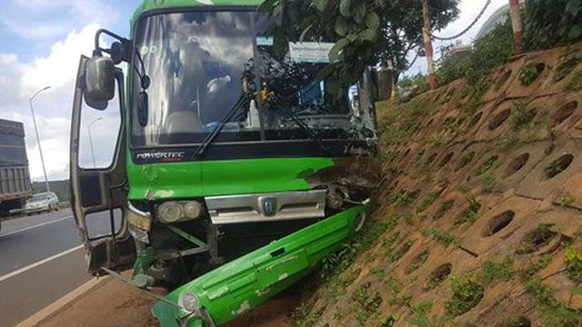 Xe khách vi phạm tốc độ 550 lần/tháng ở Lâm Đồng
