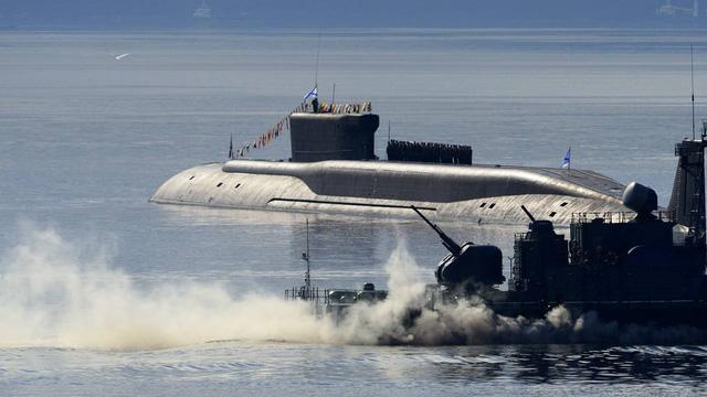 """Tự bắn vào chân mình: Đòn giáng có thể làm tê liệt tàu ngầm """"đủ sức xóa sổ 1 quốc gia"""" của Nga"""