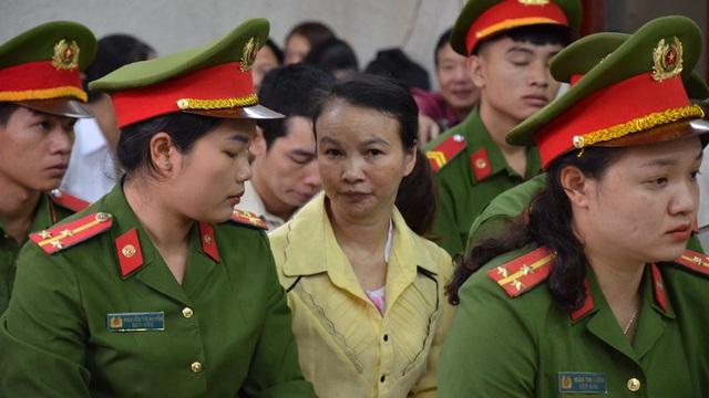Xử vụ án mẹ nữ sinh giao gà ở Điện Biên: Vắng luật sư bào chữa bị cáo Vì Thị Thu, tòa quyết định hoãn