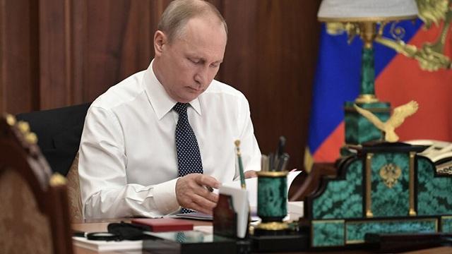 """Hé lộ """"căn phòng bí mật"""" của Tổng thống Putin ở điện Kremlin"""