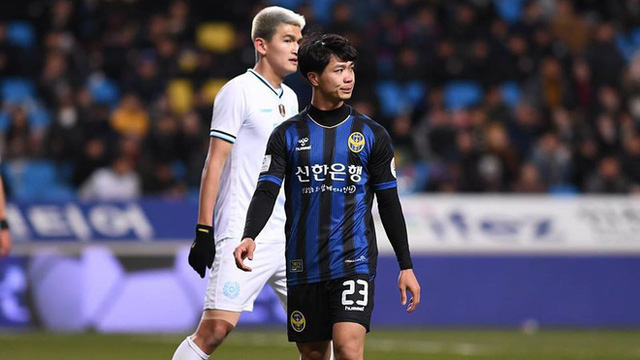 """Thay Công Phượng bằng chân sút tiền tỷ, đội bóng Hàn Quốc phát hoảng vì """"hàng hớ"""""""