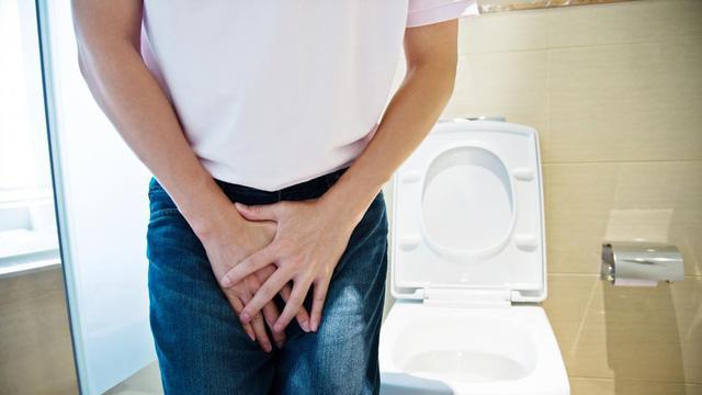 6 mối nguy hiểm đáng sợ về việc nhịn đi tiểu: Tưởng đơn giản nhưng hậu quả quá nặng nề