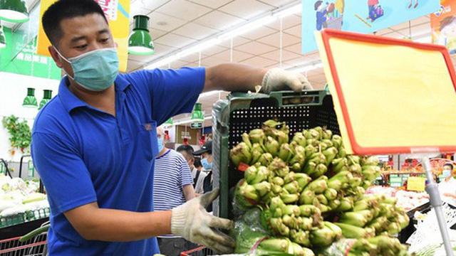 COVID-19: Tín hiệu đáng lo từ loạt ổ dịch liên quan tới nguồn cung thực phẩm bùng phát trên toàn cầu