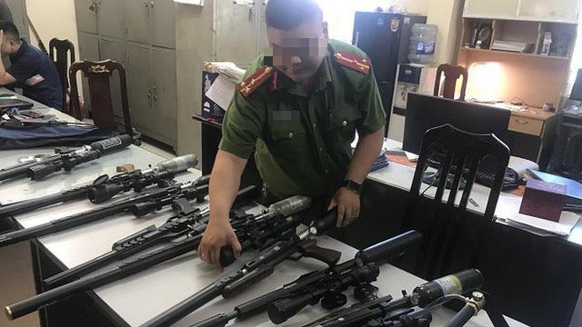 Triệt phá kho linh kiện súng săn tại Hà Nội