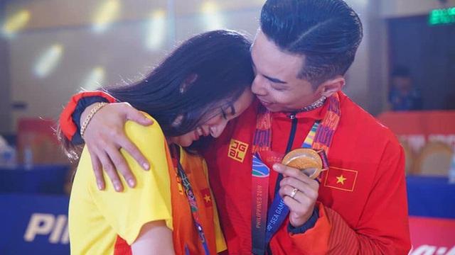 Khánh Thi tiết lộ cuộc sống áp lực với chồng kém 12 tuổi