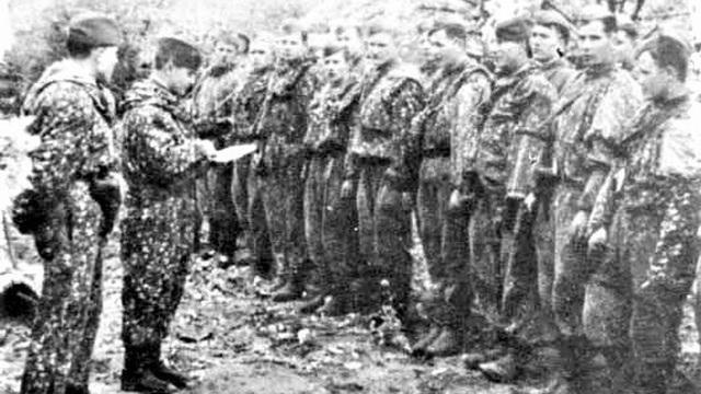 Đội trinh sát 25 tay súng tiêu diệt 5.000 quân Đức