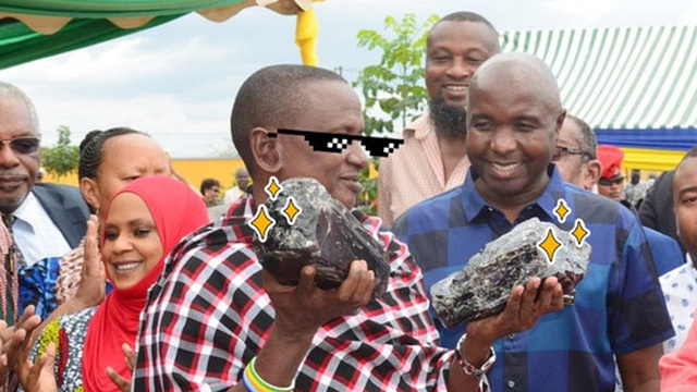 Thợ mỏ đổi đời nhờ 2 tảng đá quý trị giá 77 tỷ đồng
