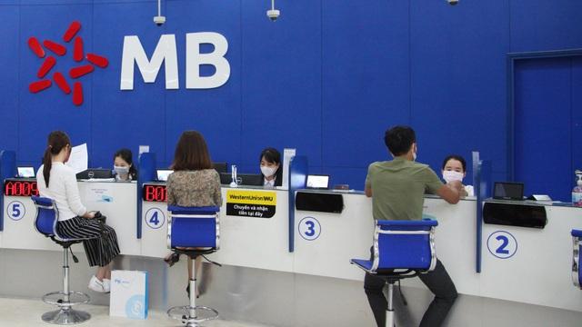 Hà Nội: Ngân hàng giải thích lý do 'tiền tự nhiên đổ vào tài khoản'