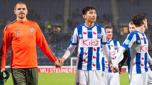 """Báo Hà Lan: """"Heerenveen muốn giữ Văn Hậu nhưng không đủ tiền trả lương"""""""