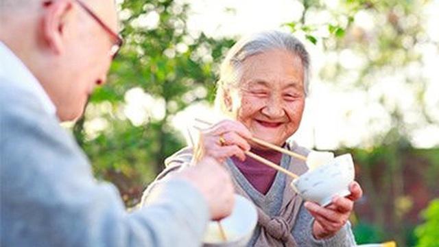 """5 bí quyết ăn uống trường thọ đang trở thành """"trend"""": Bạn đã sẵn sàng để bắt đầu?"""