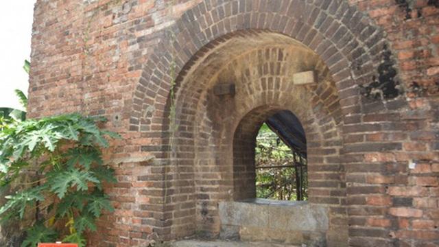 Phát huy giá trị 2 cổng thành trên Kinh thành Huế vừa phát lộ