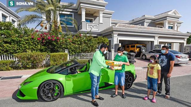 """Shipper """"chơi lớn"""", dùng Lamborghini hơn 7,5 tỷ đồng để giao xoài"""