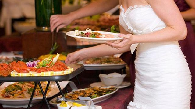 Hàng trăm khách dự tiệc cưới ở Bình Phước bị ngộ độc thực phẩm
