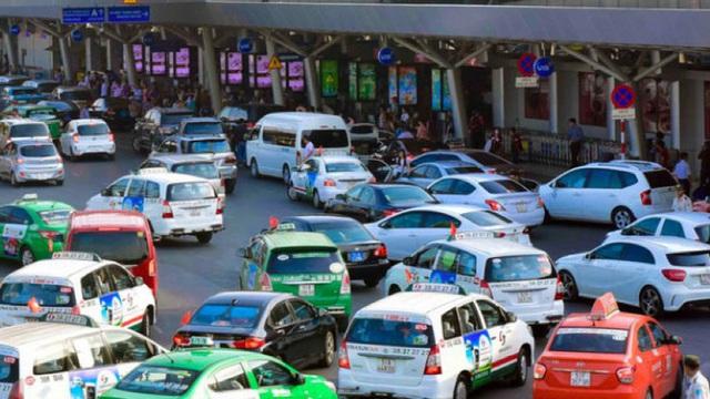 Thủ tục và chi phí để chuyển đổi màu biển số xe kinh doanh vận tải?